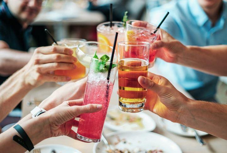酒アルコール